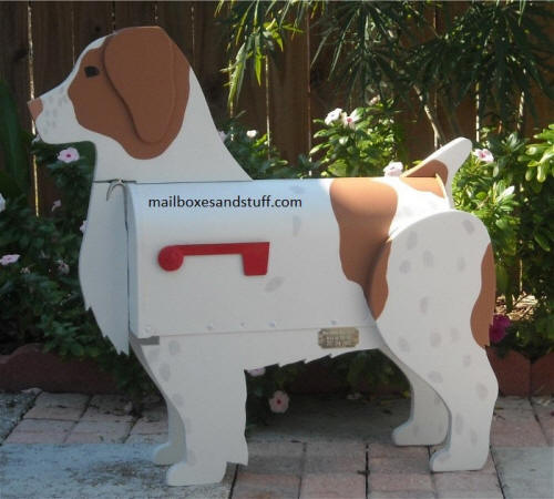 custom painted Brittany Spaniel mailbox